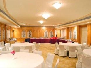 Hotel Parkland Kalkaji New Delhi - Hotellet indefra