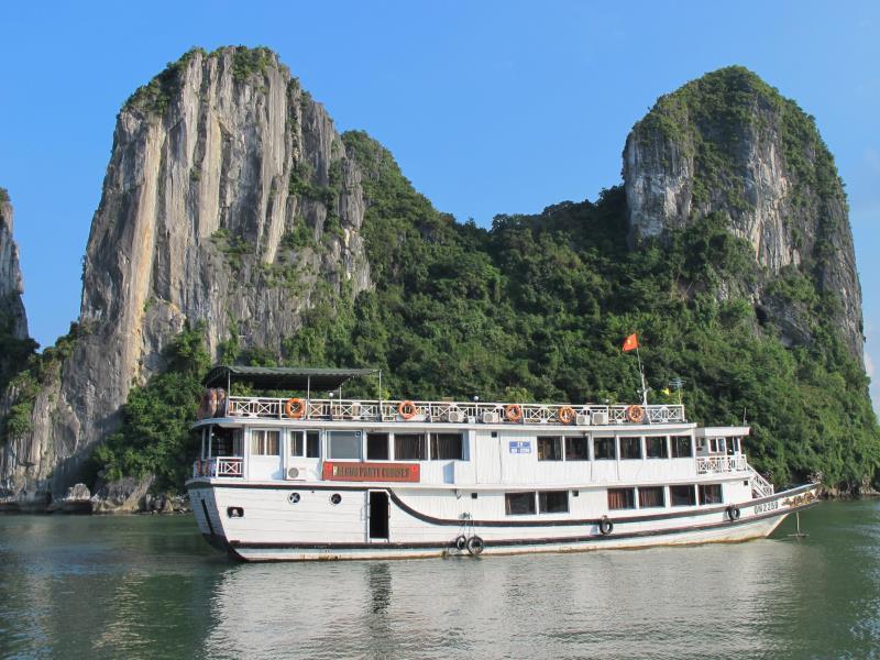 Halong Party Cruises - Hotell och Boende i Vietnam , Halong