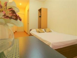 Robe's Pension House Cebu - Deluxe Double Room