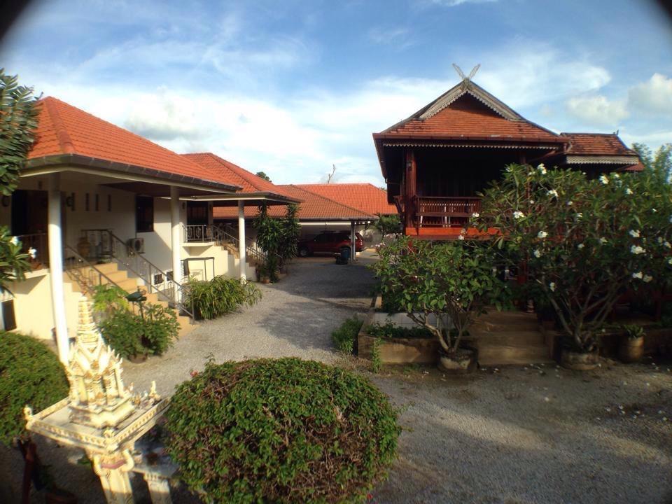 Hotell Elephant Guesthouse i Naiharn, Phuket. Klicka för att läsa mer och skicka bokningsförfrågan