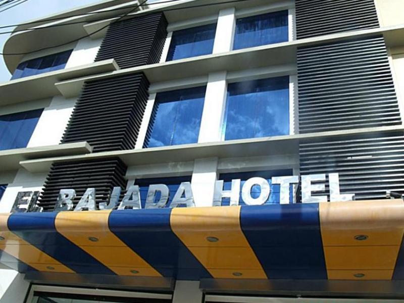 El Bajada Hotel דבאו