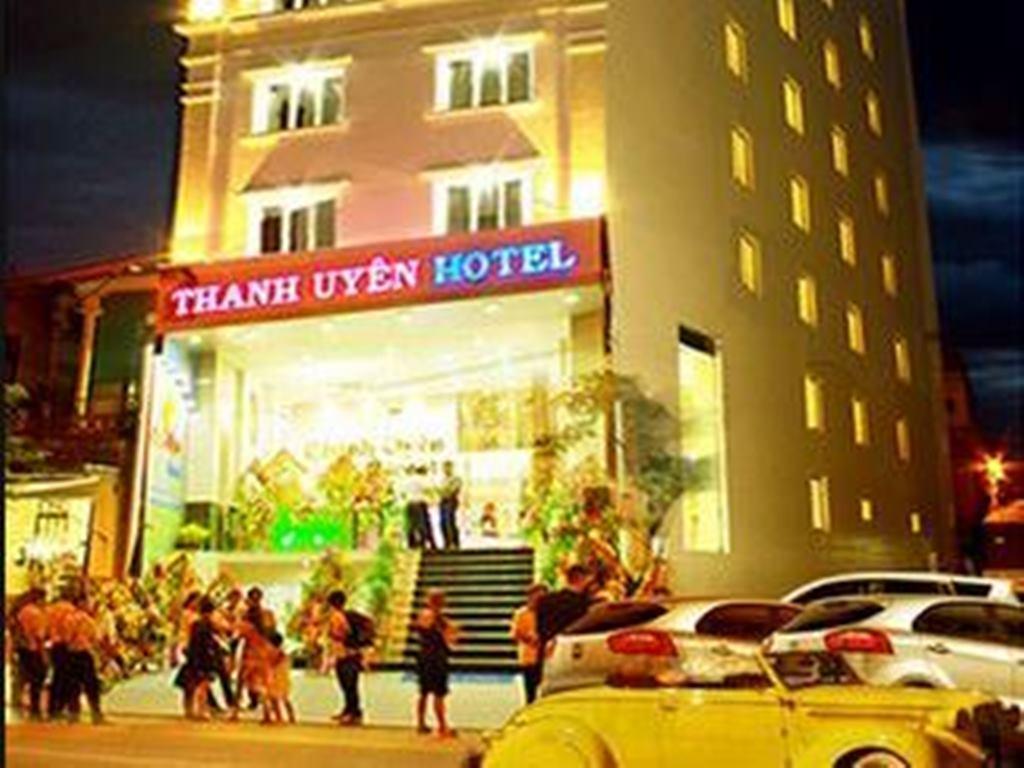 Thanh Uyen Hotel - Hotell och Boende i Vietnam , Hue
