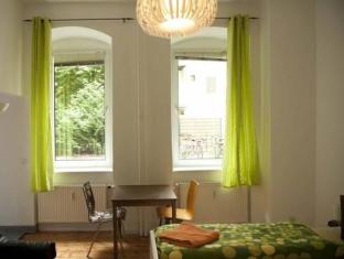 Excellent Apartment Berlin - Gjesterom