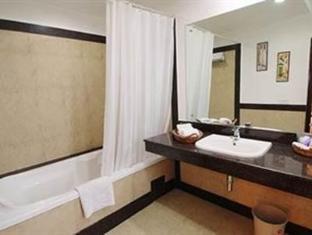 Starlit Select Aarone Residency New Delhi - Badkamer