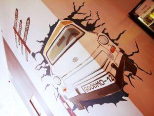 Hostel Goodmo Budapest - Hallway Art