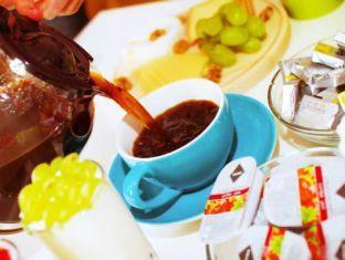 Hostel Goodmo Budapest - Buffet Breakfast