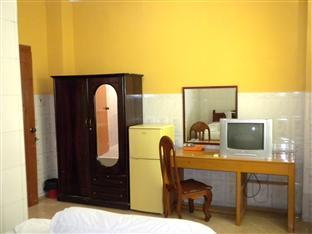 Hour Bunny Hotel Kratie - Double Bedroom with AC