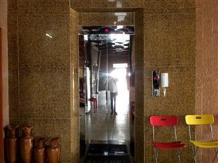 Hour Bunny Hotel Kratie - Elevator View