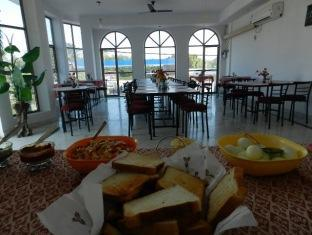 EuroStar Inn Khajuraho - Food, drink and entertainment