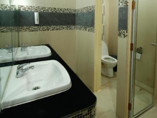 Philippines Hotel Accommodation Cheap | Villa Jhoana Resort Angono - Bathroom