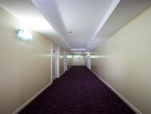 Grand C Hotel Singapore - Corridor