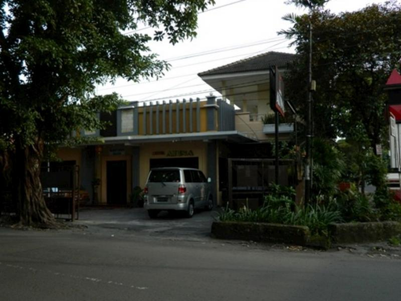 Hotel Atina - Hotels and Accommodation in Indonesia, Asia