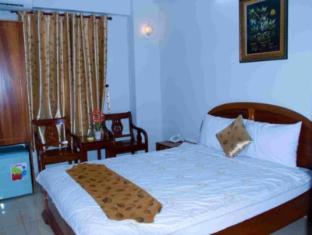 Vu Quy Hotel Nha Trang - Standard Double Bed