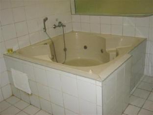 Hotel Sogo Quirino Motor Drive Inn Manila - Hot Tub