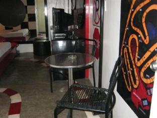 Hotel Sogo Quirino Motor Drive Inn Manila - Guest Room