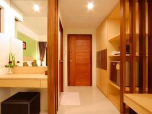 Kalim Beach Place Phuket - Hotellet indefra