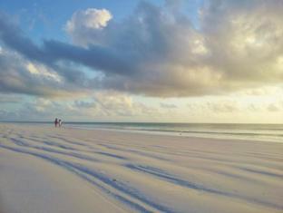 Domokuchu Beach Bungalows