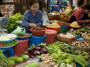Go In Hotel Phnom Penh - Local Market