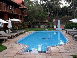 Sea Breeze Inn North Goa - Swimming Pool