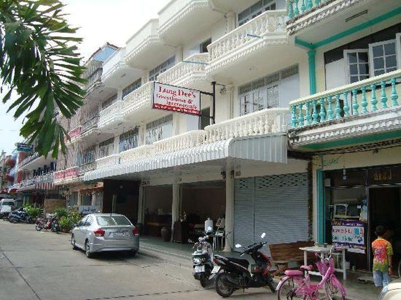 Hotell Lung Dee s Guesthouse i , Hua Hin / Cha-am. Klicka för att läsa mer och skicka bokningsförfrågan