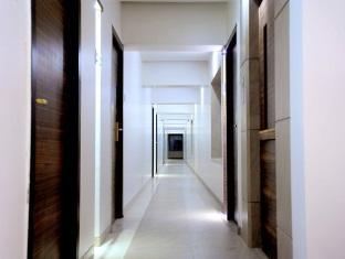 Hotel Royal Park Mumbai - Corridor