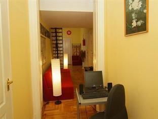 Williams Hostel Budapest - Reception
