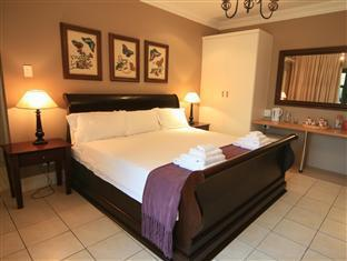 De Charmoy Estate Guest House Durban - Papillion, King Size Bed
