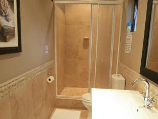 De Charmoy Estate Guest House Durban - Bathroom