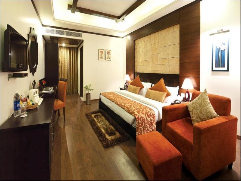 Hotel Clarks Inn-Bareilly - Bareilly