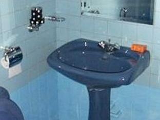 Hotel Crest Nest Colombo - Standard Bathroom