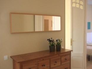 BP Escudillers Pasatge - Ramblas Apartment Barcelona - Guest Room