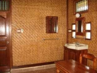 Indonesia Hotel Accommodation Cheap | Terang Bulan Cottages Bali - Guest Room