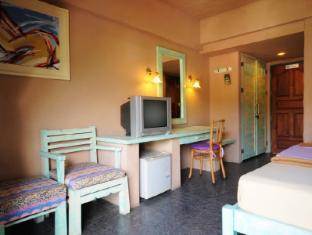 Casa Brazil Homestay & Gallery Phuket - Room Interior