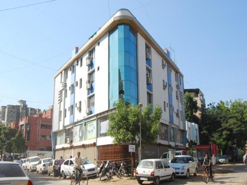 The Signature Crest Hotel Ahmedabad - Ahmedabad