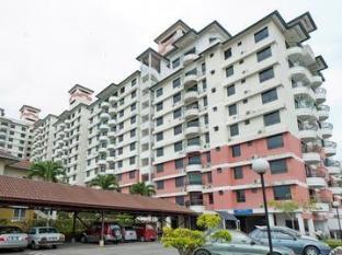 Cheap Hotels in Malacca / Melaka Malaysia | Selat Horizon Condo Apartment