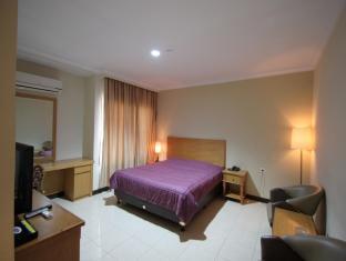 Dena Hotel 黛那酒店