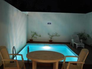 Poppys Hotel Tiruppur - Swimming Pool