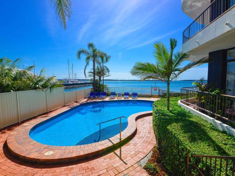 Broadwater Shores Waterfront Apt - Hotell och Boende i Australien , Guldkusten