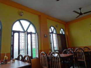Sandhya Guest House Varanasi - Food, drink and entertainment