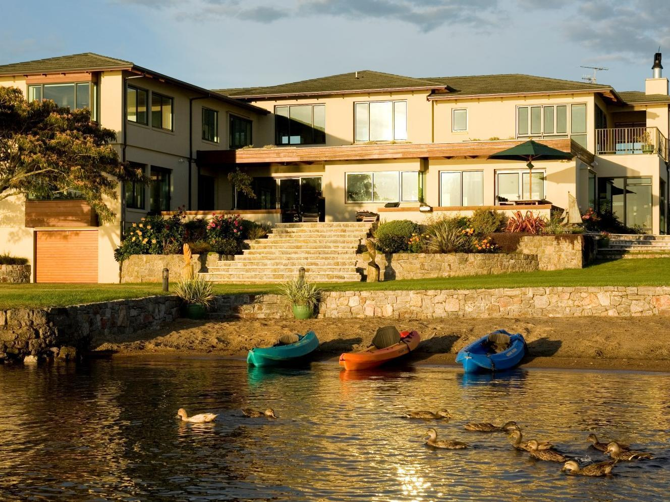 Nicara Lakeside Lodge - Hotels and Accommodation in New Zealand, Pacific Ocean And Australia