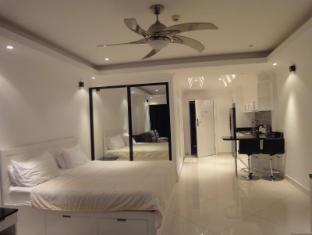 Vtsix Condo Rentals at View Talay 6 Pattaya Pattaya - Studio Sea View Luxury Room