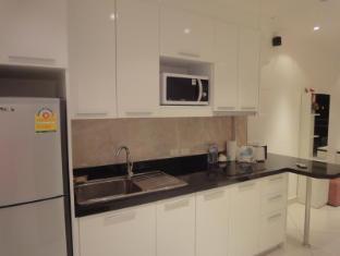 Vtsix Condo Rentals at View Talay 6 Pattaya Pattaya - Fully Equip Kitchen
