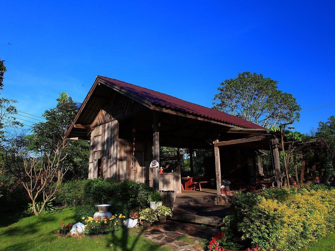 Hotell Non Zee Rimtarn Resort i , Khao Yai / Nakhonratchasima. Klicka för att läsa mer och skicka bokningsförfrågan