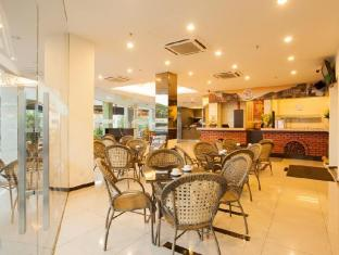 Leo Express Hotel Kuala Lumpur - Food, drink and entertainment