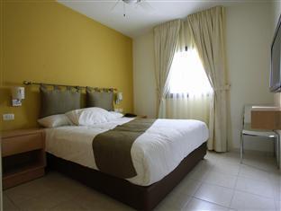 Tamar Residence Hotel Jerusalem - Suite bedroom