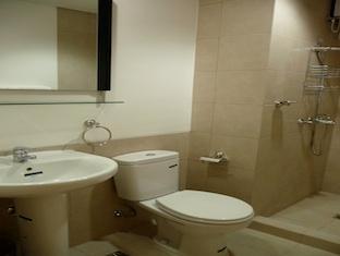 Icon Residences Manila - Bathroom