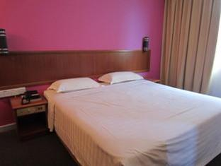 The Hoover Hotel Bintulu - Deluxe King