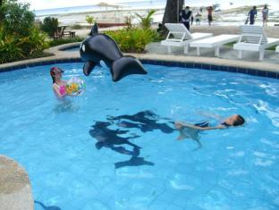 Bitaug Beach Resort Bohol - Piscină
