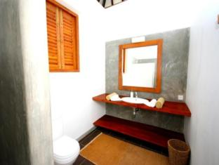 Highland Villa Mirissa - Bungalow Bathroom