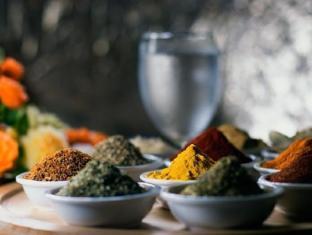 Paradise Inn Phuket - Fresh Herbs and Spices